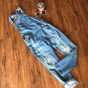 👖💙EUC GAP kids distressed overalls size XL